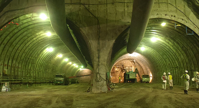 超大断面トンネル設計