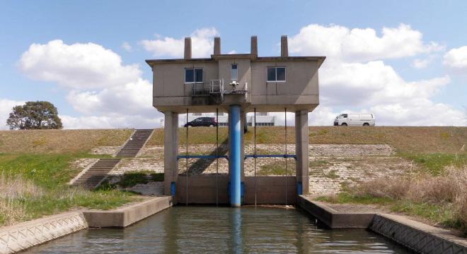 樋門 川表側